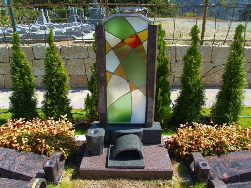 ステンドグラスお墓