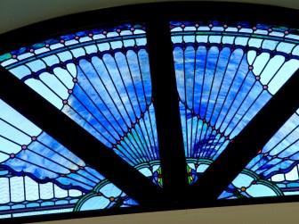 (4)大阪府豊中市 丸福衣装店様 ・窓やドアに多数設置