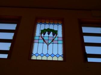 鹿児島県 K様邸 玄関吹き抜け はめ殺し窓 ブドウ