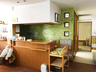 (52)大阪府茨木市 住友林業 橋本こどもクリニック様  ・窓やドアに多数設置