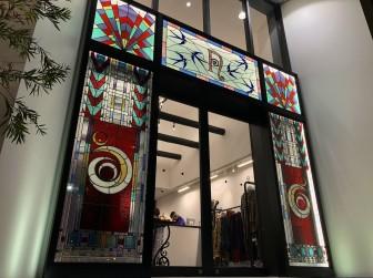 (55)大阪市西区NEPENTHES WOMAN OSAKA(ネペンテス ウーマン大阪)様 エントランス LED内蔵ステンドグラス