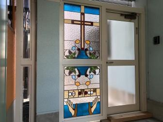 (58)滋賀県大津市 大津キリスト教会様② 玄関ドア横はめ殺し窓 目隠し対策