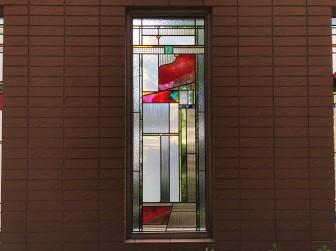 (35)弊社ステンドグラスに清掃業者様が機材を衝突させ破損し修復工事 大阪市城東区