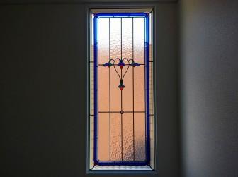(132)兵庫県西宮市T様邸 階段室セミオーダーTW-15 偽ステンドグラスを本物ステンドグラスに変更 施工前後比較写真・目隠し対策※お客様の声有り(長文)