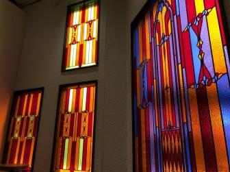 (65)大阪府大阪市 喫茶松竹様 セミオーダー全面色ガラス変更・窓やドアに多数設置