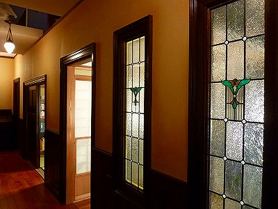 A/ドラマセット(品番TW-12) B/TBS・トイレの神様 C/廊下・明り取り窓