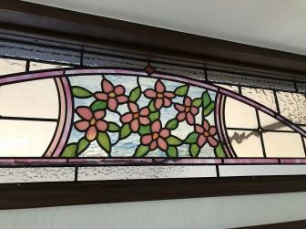 (118)兵庫県たつの市F様邸 室内間仕切欄間(玄関~リビング) リンゴの花