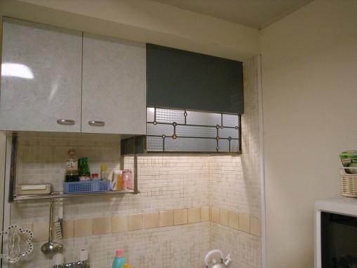 透明の型板ガラスを使用