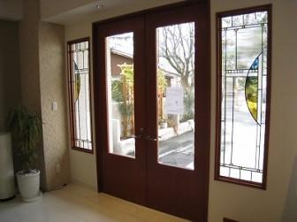 (15)兵庫県西宮市 カーテン業者様 ショールーム ・窓に多数設置