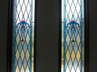 静岡県 Y様邸 玄関ホールはめ殺し窓&室内ドア&ステンドグラスランプ